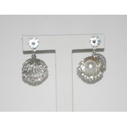 METALLIC EARRING IN SILVER WITH PERLA