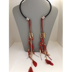 EXTRA LONG CHOKER BOHO WITH RED FEATHERS