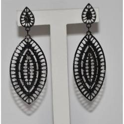 STUDS EARRING FLAT OVAL WITH BLACK STRASS
