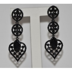 STUDS EARRING HEART WITH BLACK STRASS