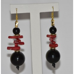 EARRING WITH RED CORAL, BLACK STONES, AND GOLDEN DETAILS